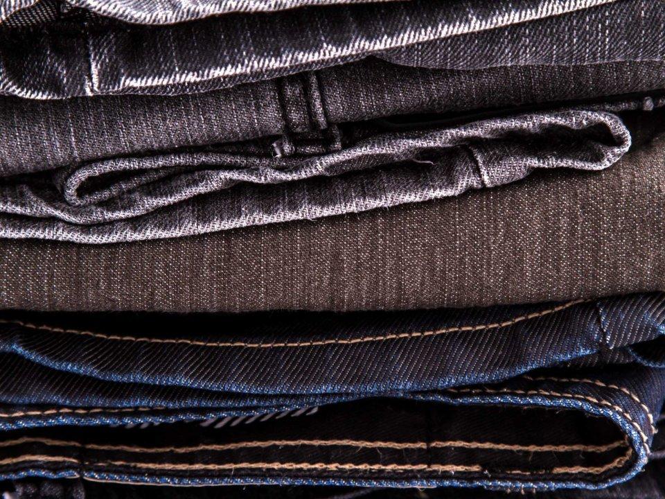 Cách giặt và bảo quản quần áo jeans: Không khó như bạn vẫn nghĩ!