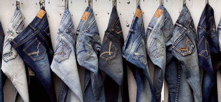 giat-bao-quan-do-jeans-phoi