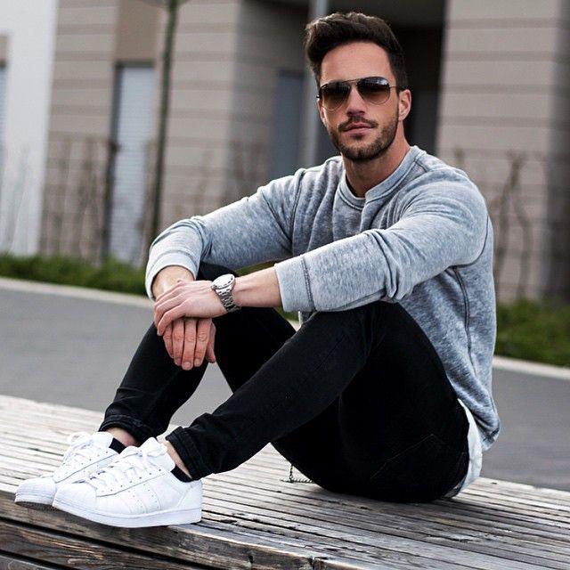 mix đồ với giày thể thao trắng cho nam