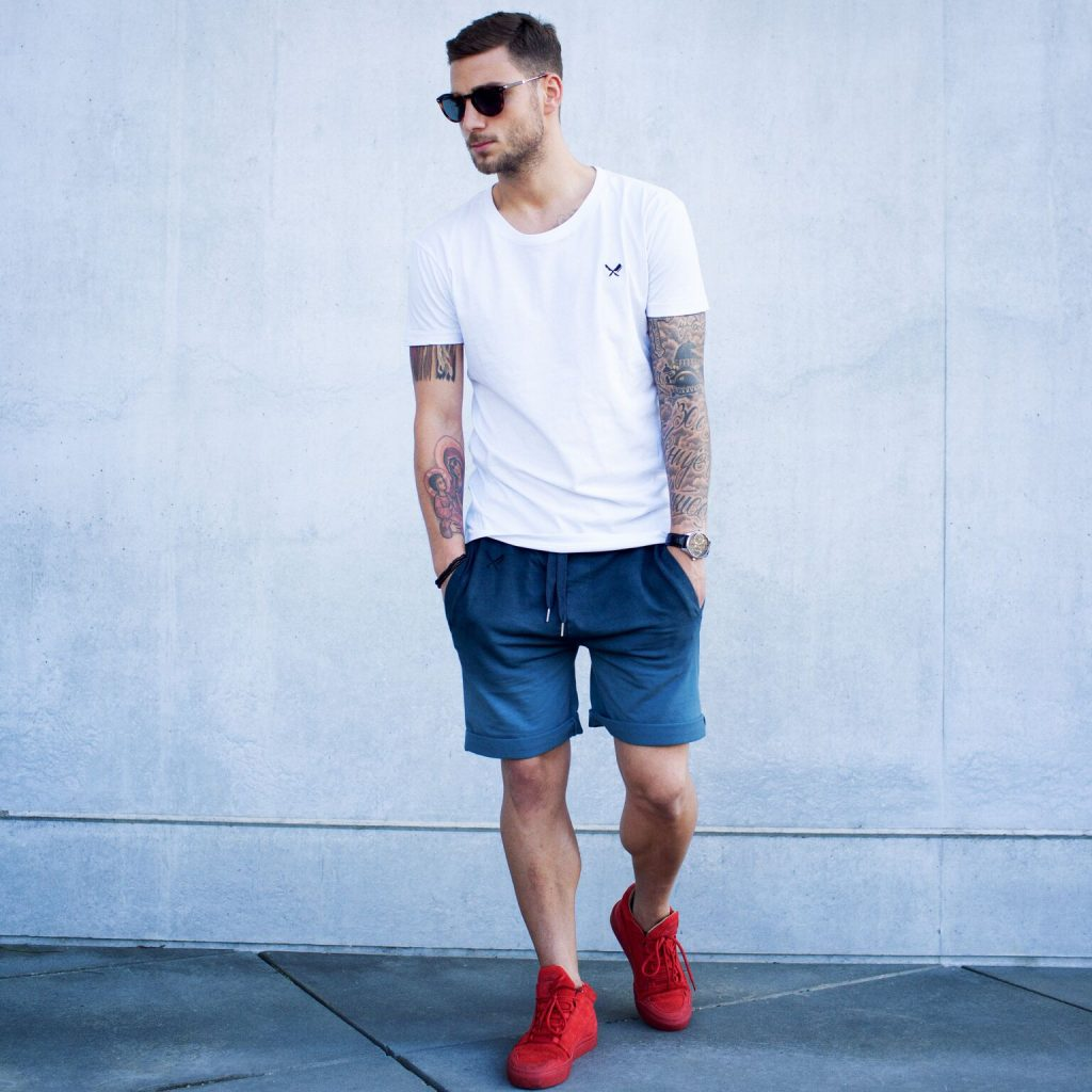 Giày thể thao nam màu đỏ: Phối sao cho đúng? Mặc sao cho đẹp?