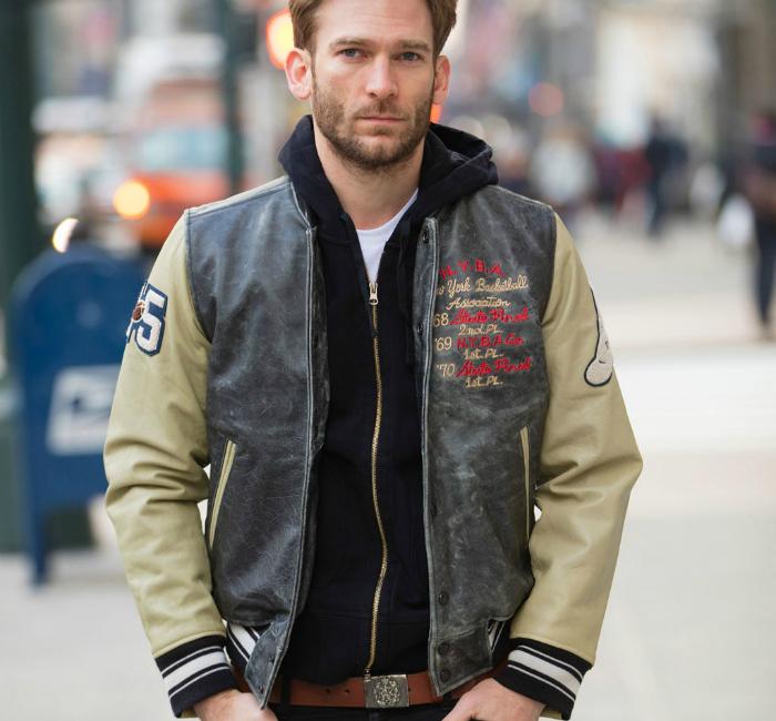 phối đồ với áo khoác da cho nam