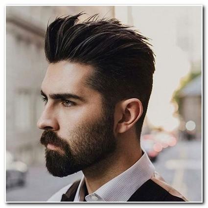 Kiểu tóc Mohican mái nhọn