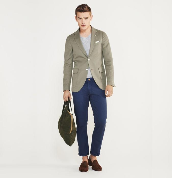 Áo thun mặc với áo vest nam