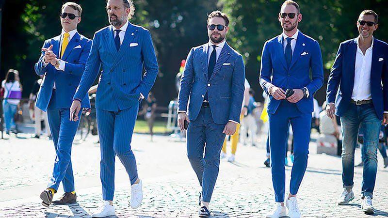 Phối đồ với áo vest xanh