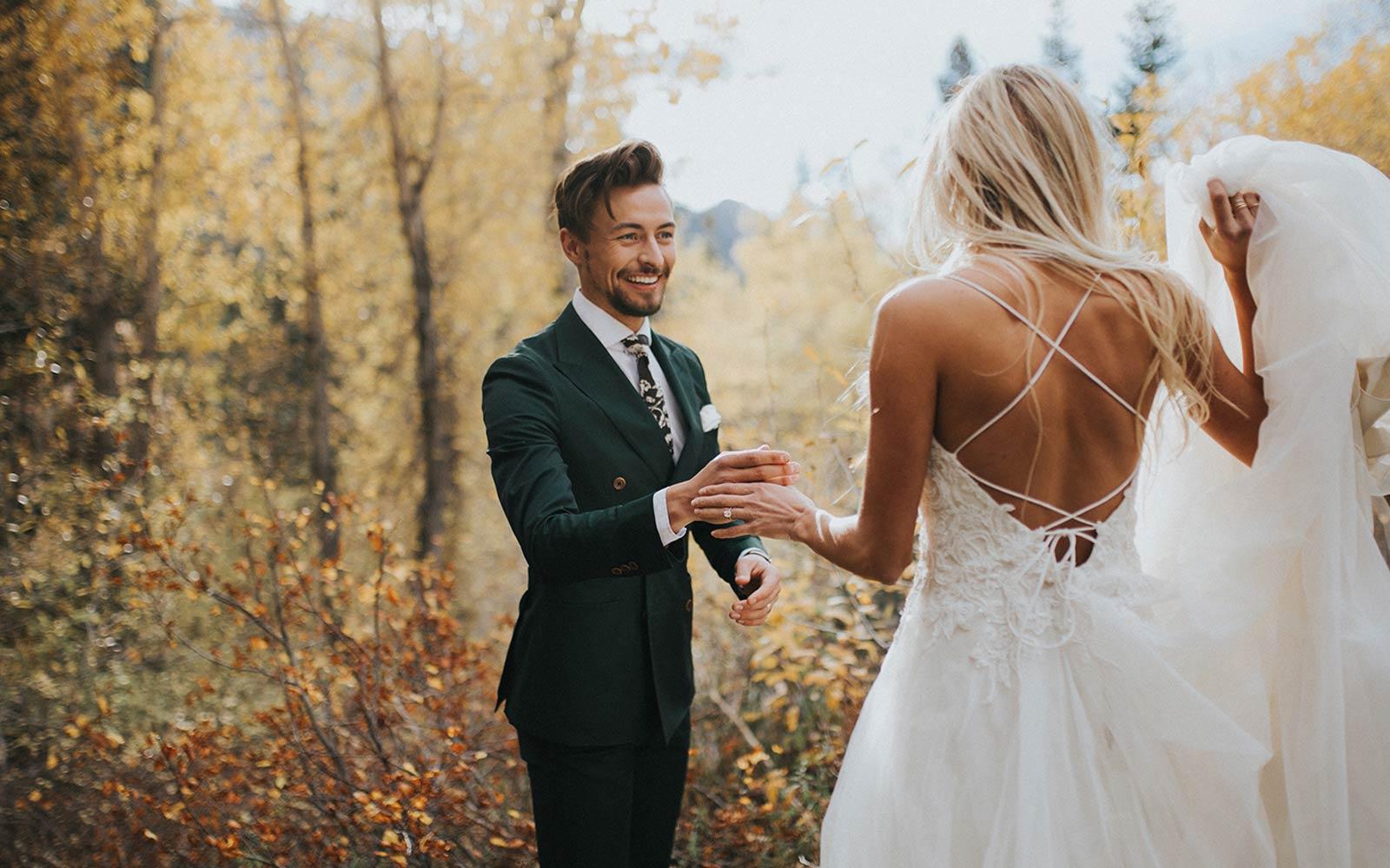 Bạn nam mặc gì đi đám cưới