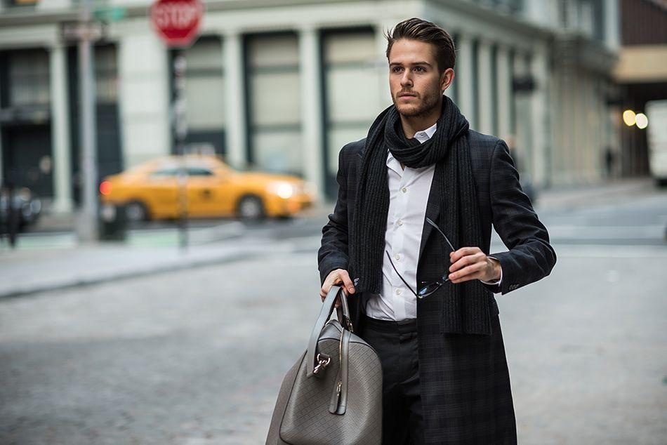6 cách quàng khăn đẹp nhất mọi thời đại cho nam