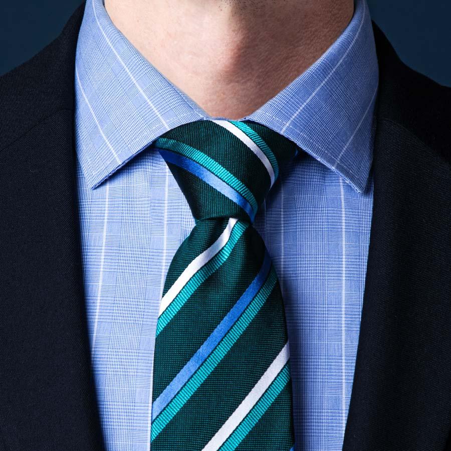 Cách thắt cà vạt kiểu Half-Windsor