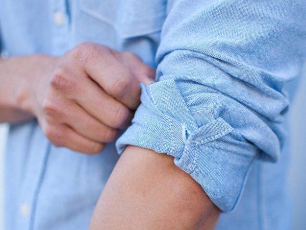 cách xắn tay áo sơ mi