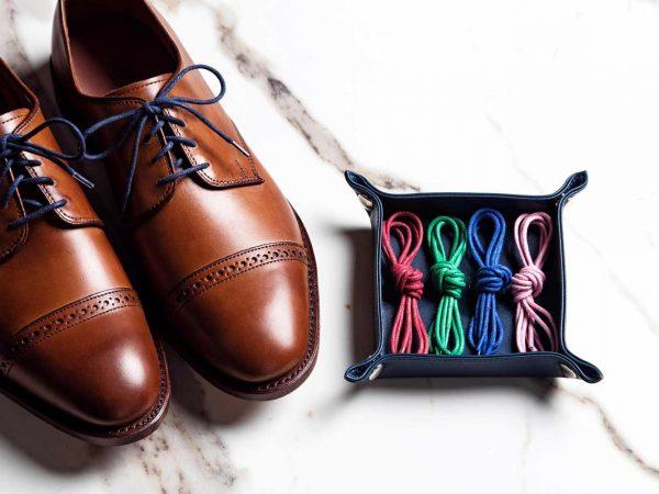 Cách buộc dây giày tây nam